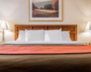 Premium King Whirlpool Guestroom