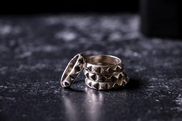 טבעת ניטים