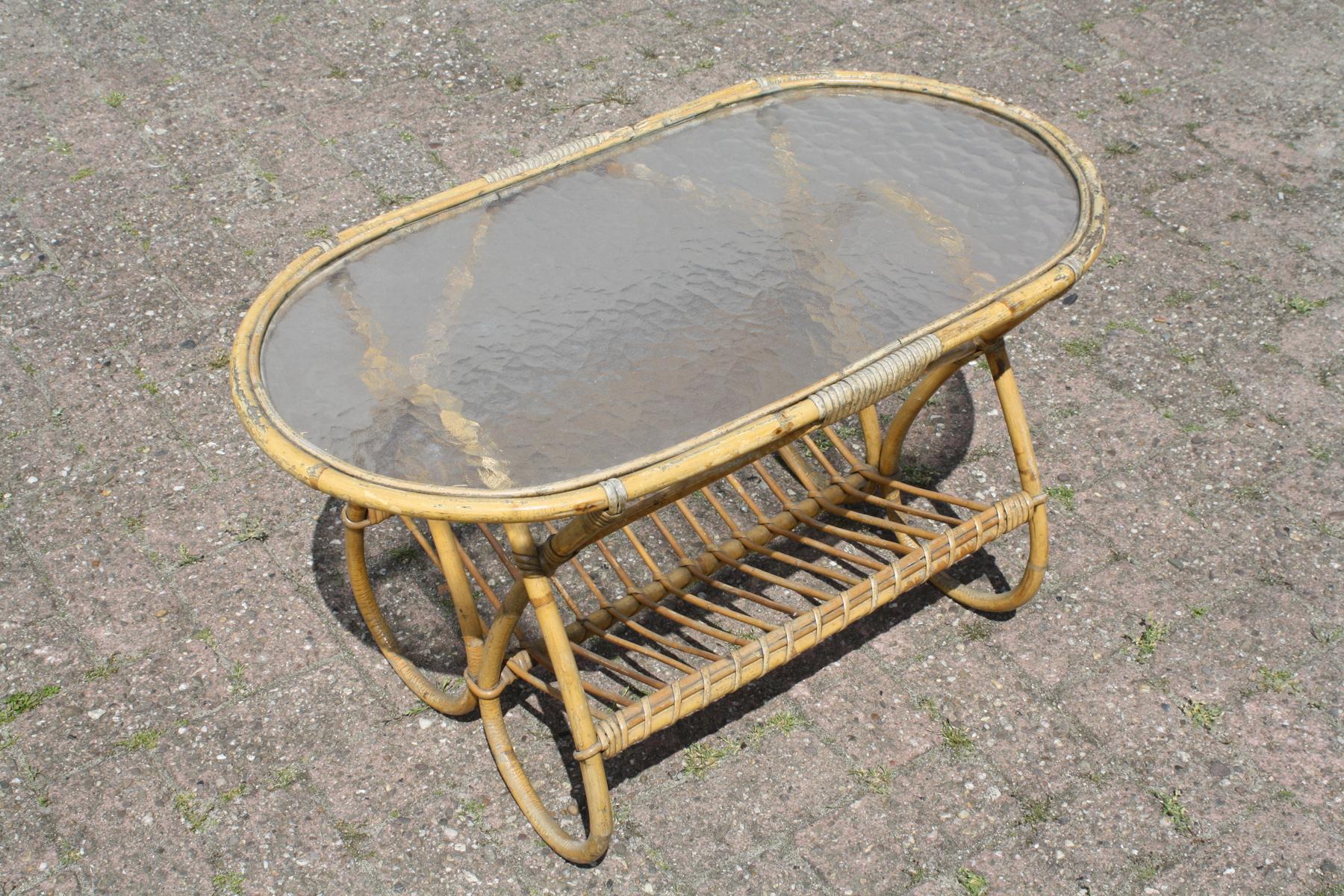 ovale rotan tafel