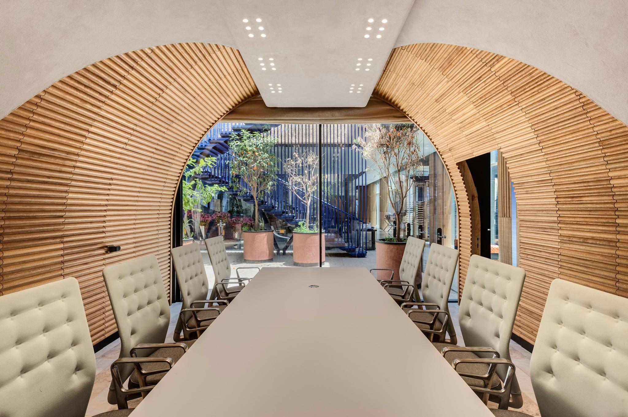 חדר ישיבות שבירו אדריכלים