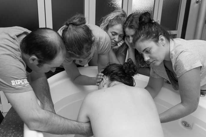 Doula-support-for-waterbirth_web.jpg