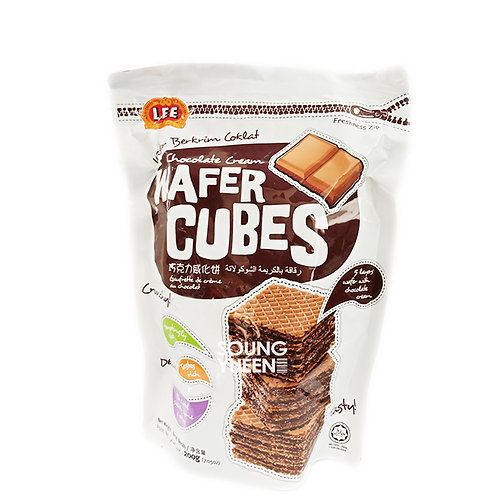 LEE CHOCOLATE FLAVOURED CREAM WAFER CUBES 200G