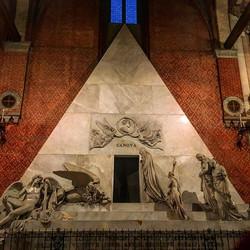 Tomb of Canova, Gloriosa church