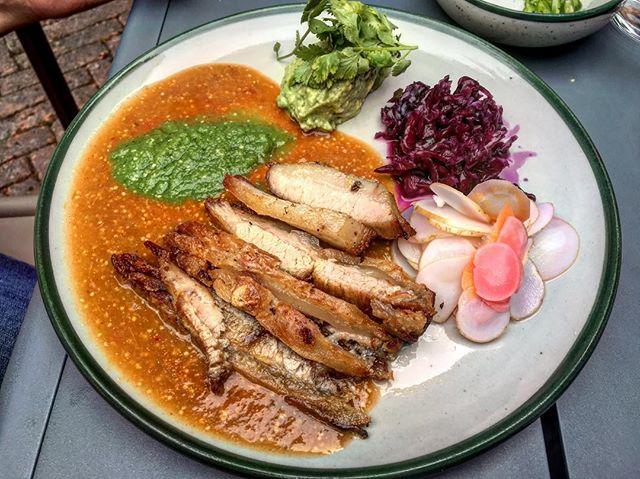 Chicharrón of pork jowl, milpero tomatillo sauce, cabbage, guac. Trasfonda