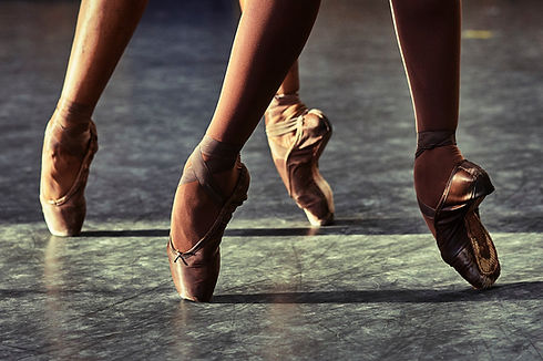 pointe shoes 1.jpg