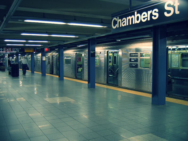 Chambers_st_nyc_subway_edited.jpg