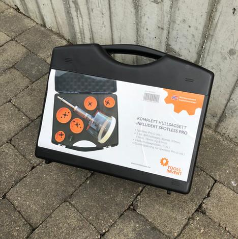 Koffert med Spotless Pro og hullsagsett fra Toolsinvent AS