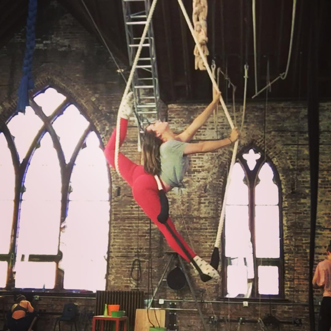 single point trapeze