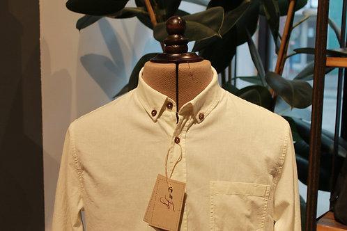 Linneskjorta med Malmötillverkade träknappar