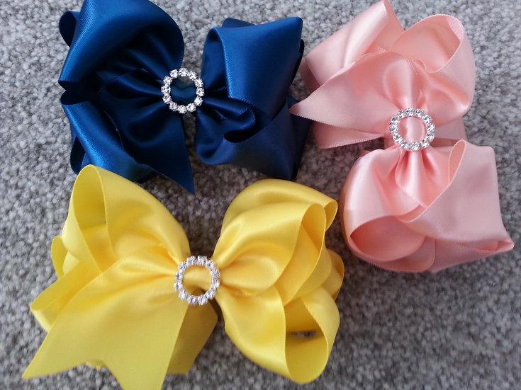 Pinwheel Bow With Diamante Centre