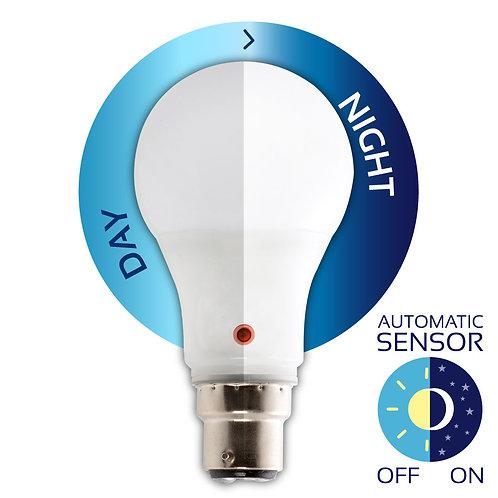 LED Ultrasonic D/Night Sensor B22 6w CW