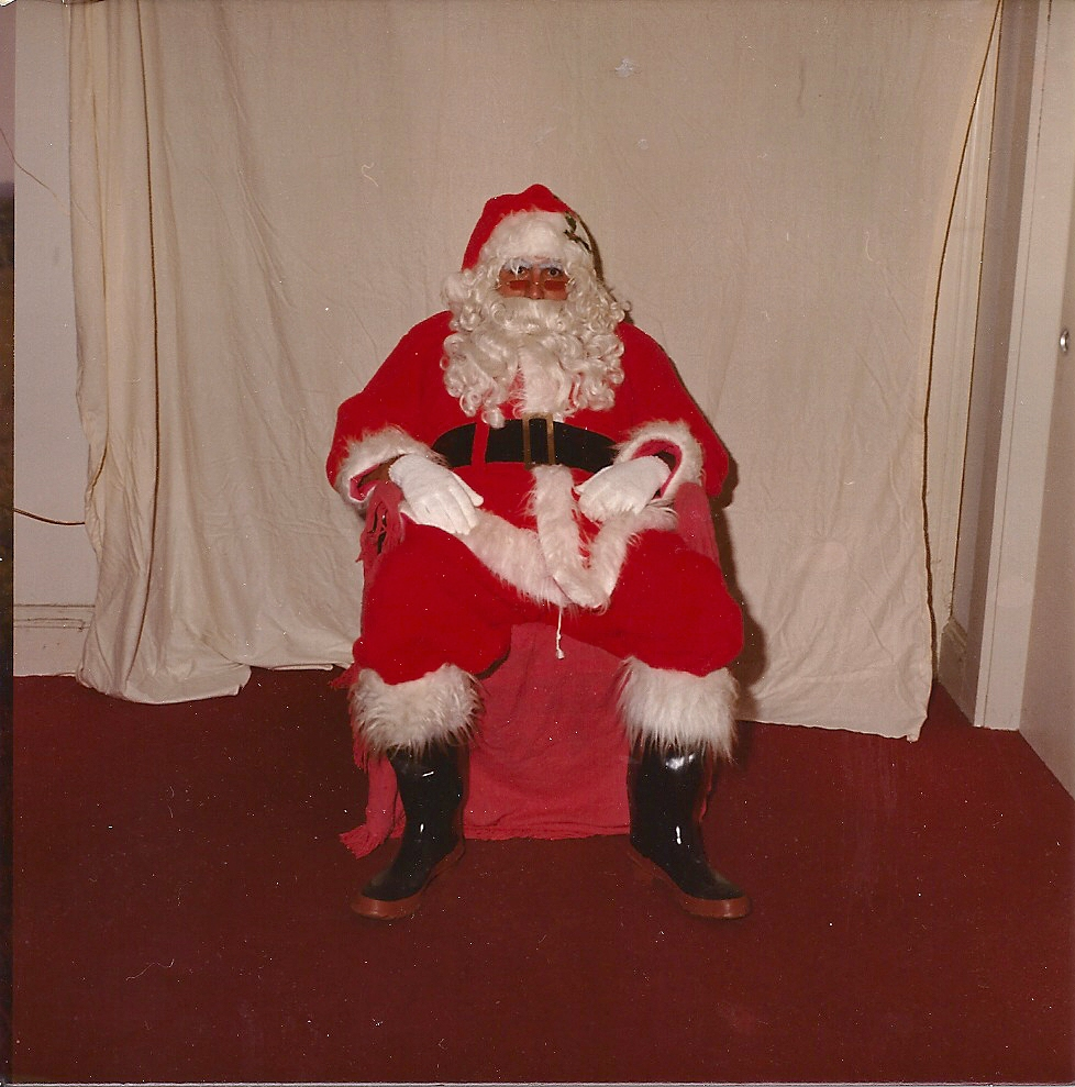 JB Santa in chair0001