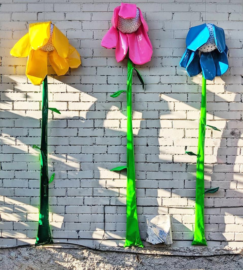F.Toan_sad flowers_installed.jpg