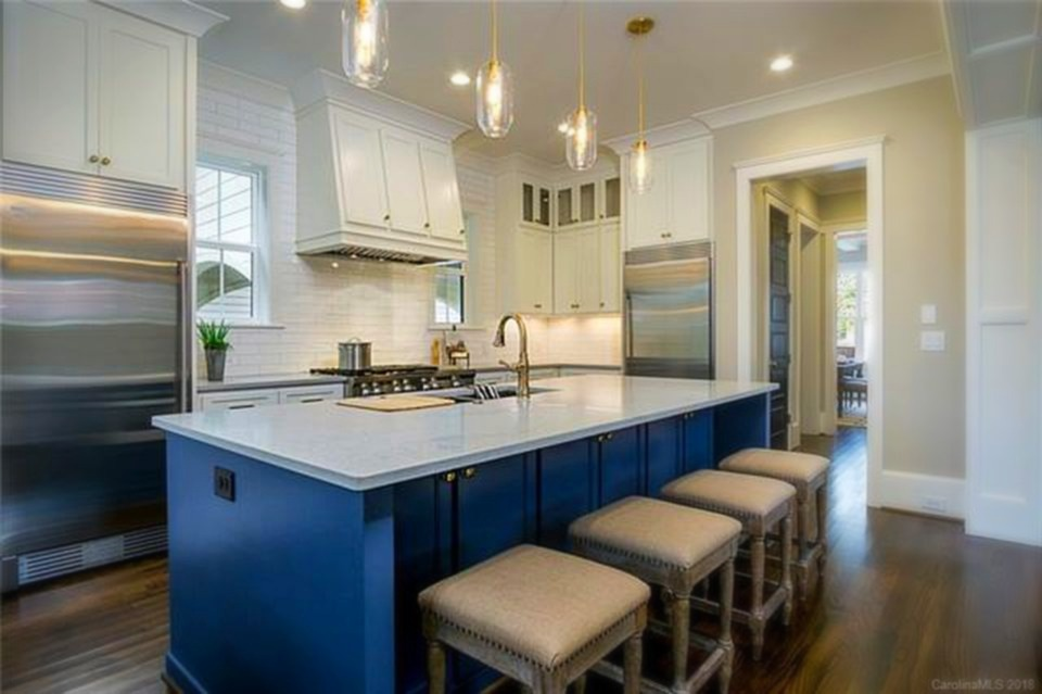 Chantilly 2 - Custom Island & Kitchen