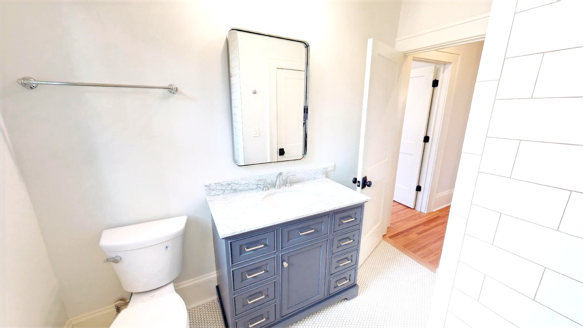 Plaza Midwood - Bathroom Vanity