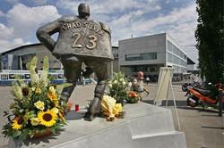 La Statue en hommage à Chad Silver