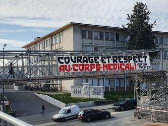 Les Ultras Romands soutiennent les soignants