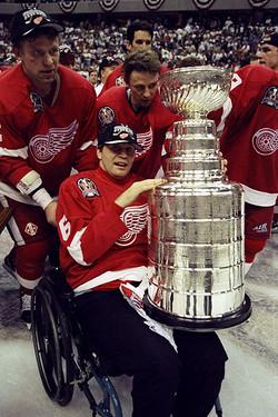 Vladimir Konstantinov et la Stanley Cup
