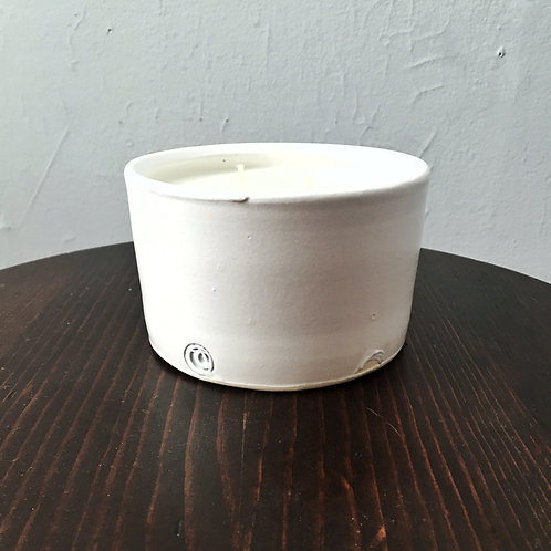 Lily White Candle 14oz