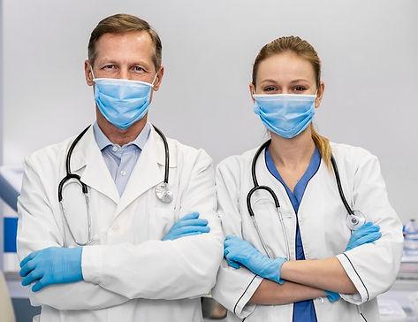 doctores-hospital_23-2148827750.jpg