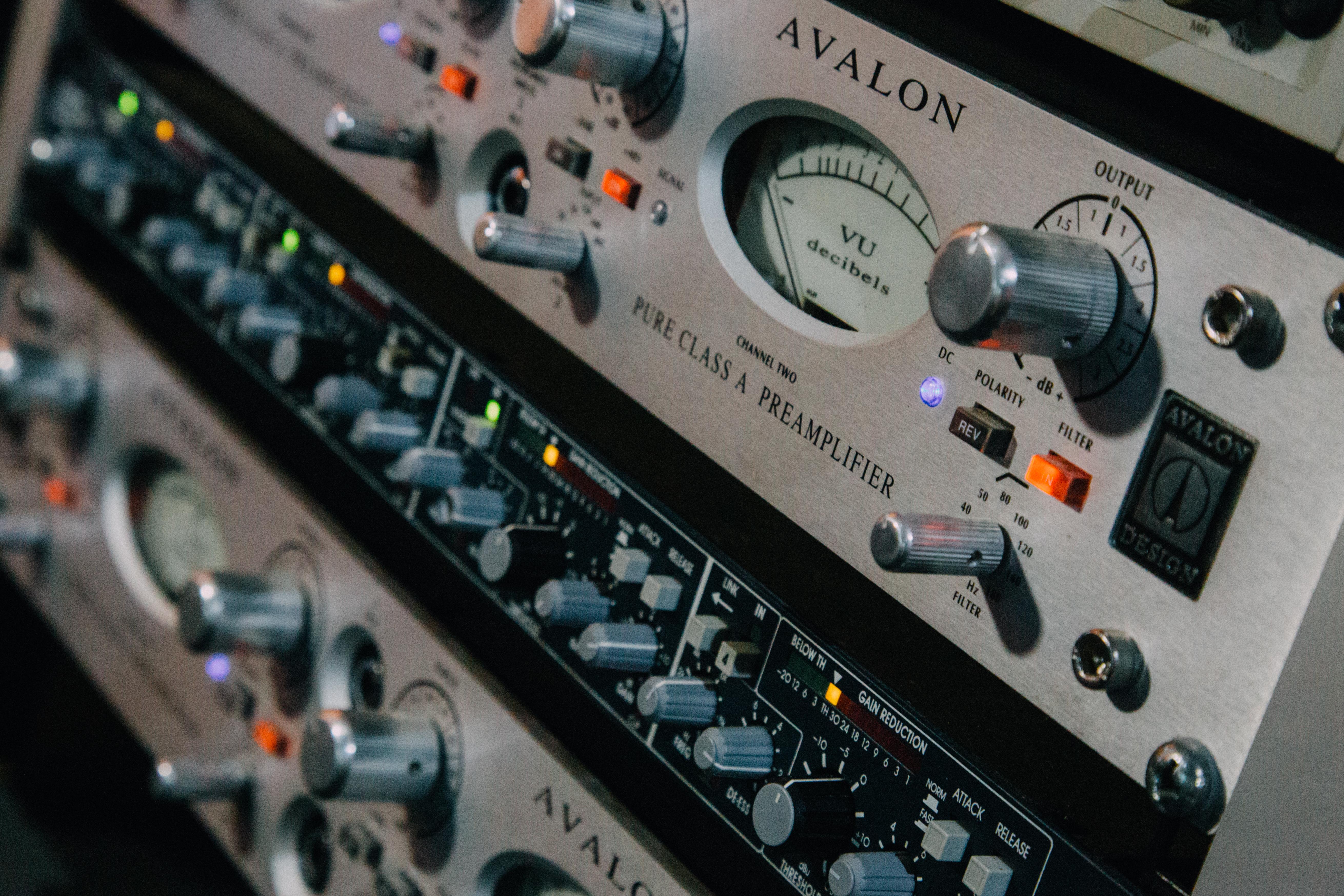 studio_128.jpg