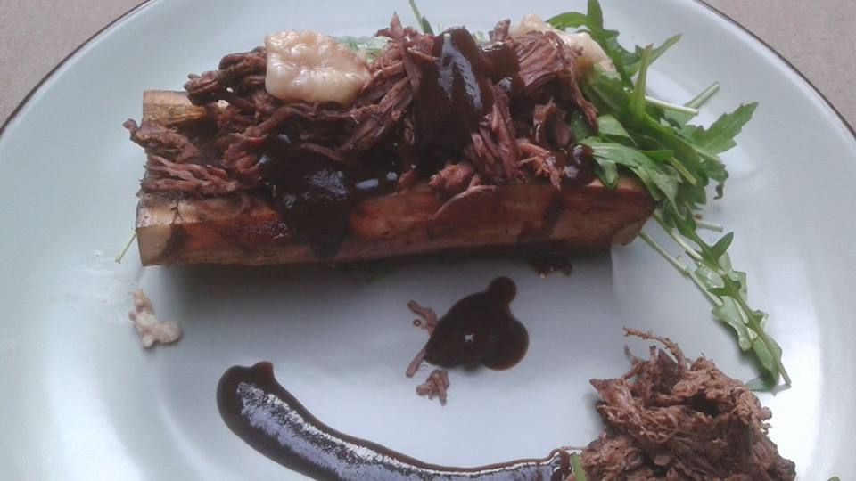 Pulled beef Bordelaise