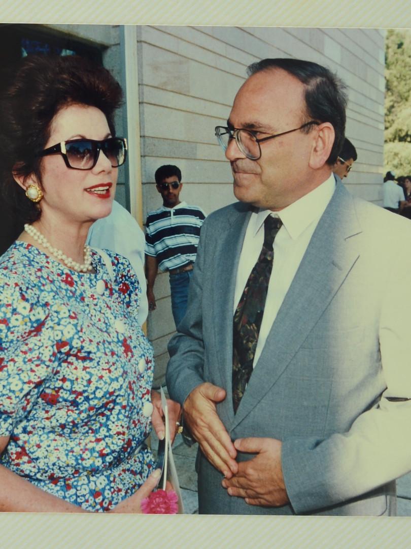 עם רות עופר 1993 (1).jpg