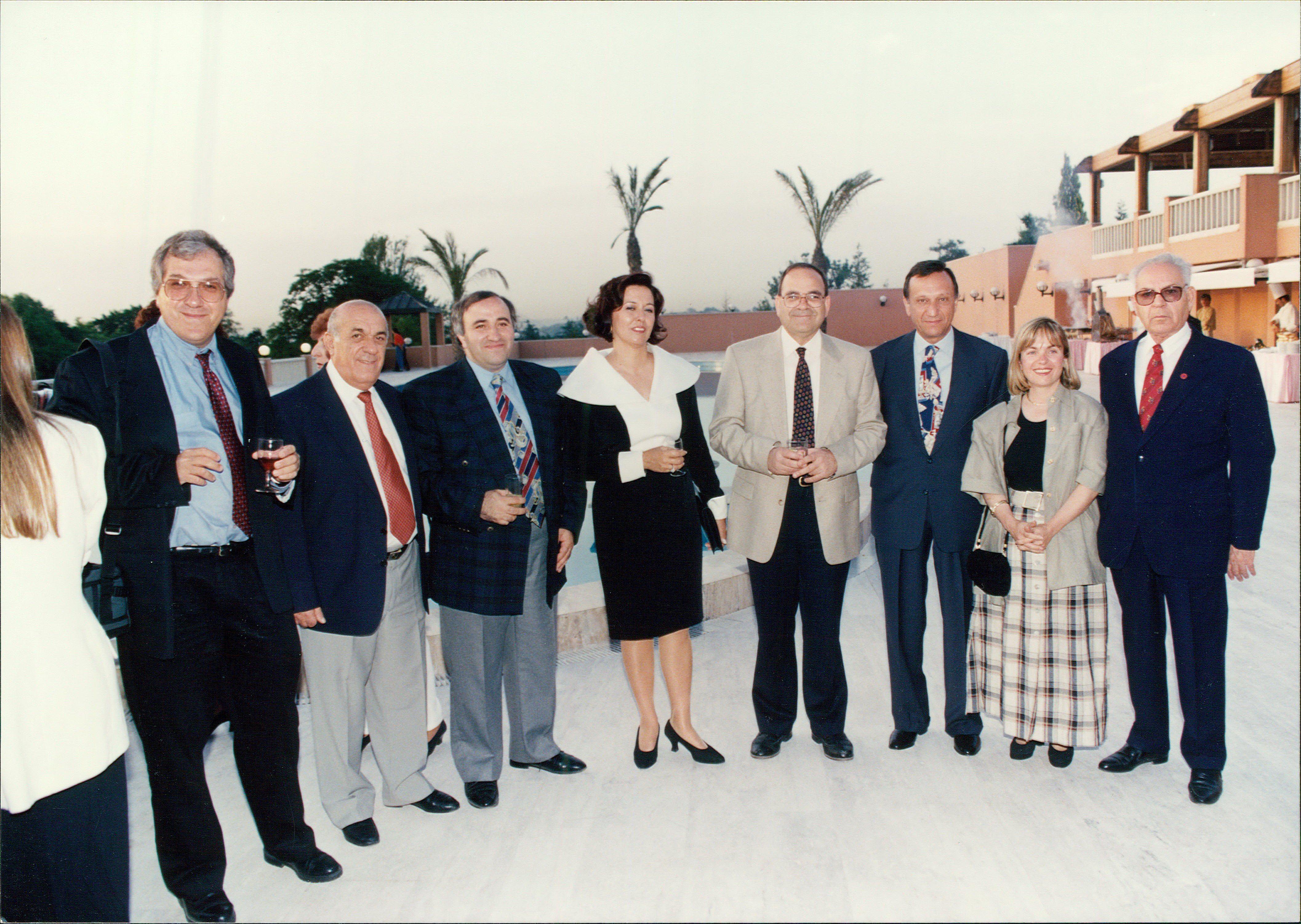 3 130 - המפעל לפיתוח חברתי 1993-4
