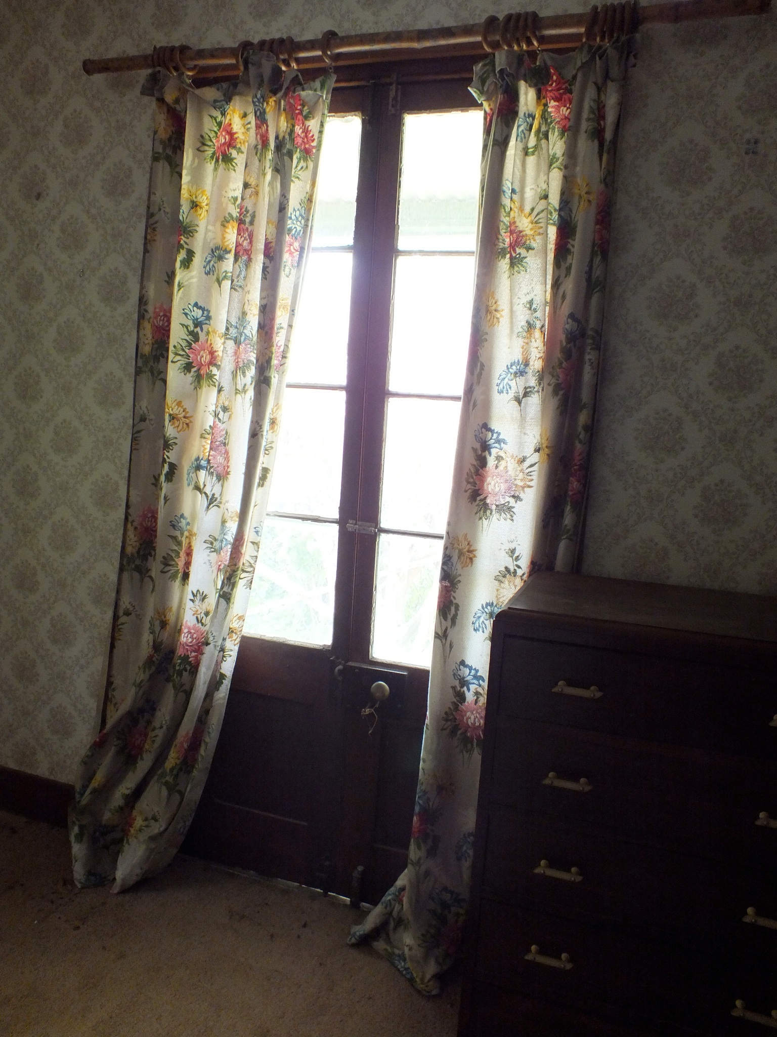 Bedroom veranda doors