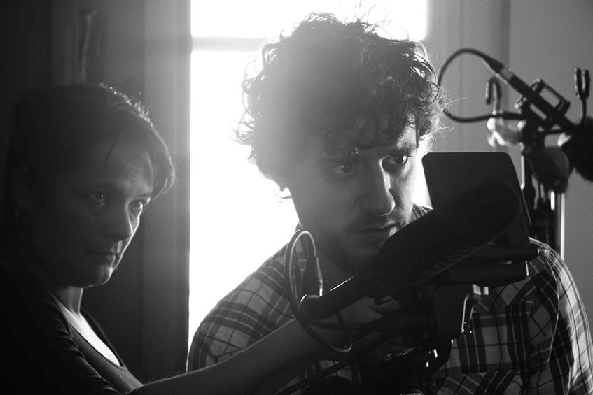 Los directores y guionistas Marcela Matta y Mauro Sarser (además protagonista, como Fausto).