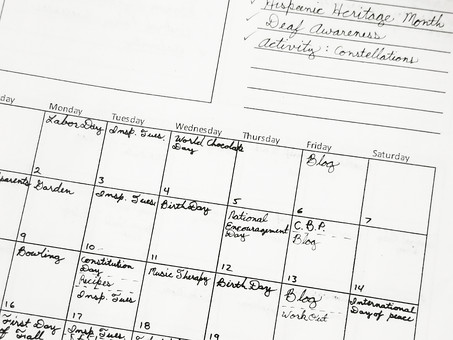 "How to Put Your Content Calendar Together (for Those Who Prefer ""Old School"" Pen and Paper)"