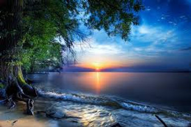 Sea with sun set
