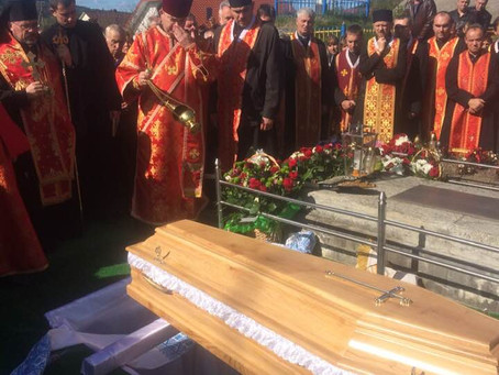 Похорон бл.п. прот. Петра Сюська у с. Верхній Лужок.