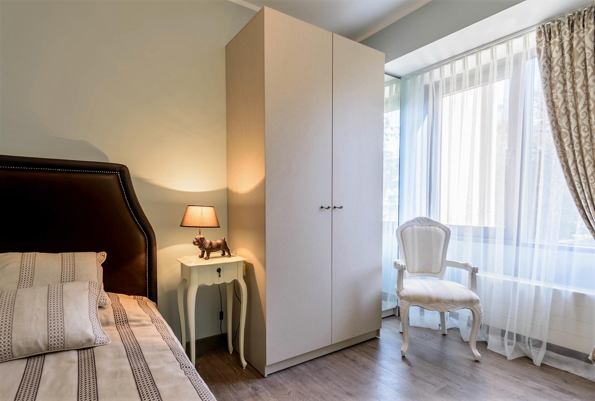 Сборка мебели в спальне