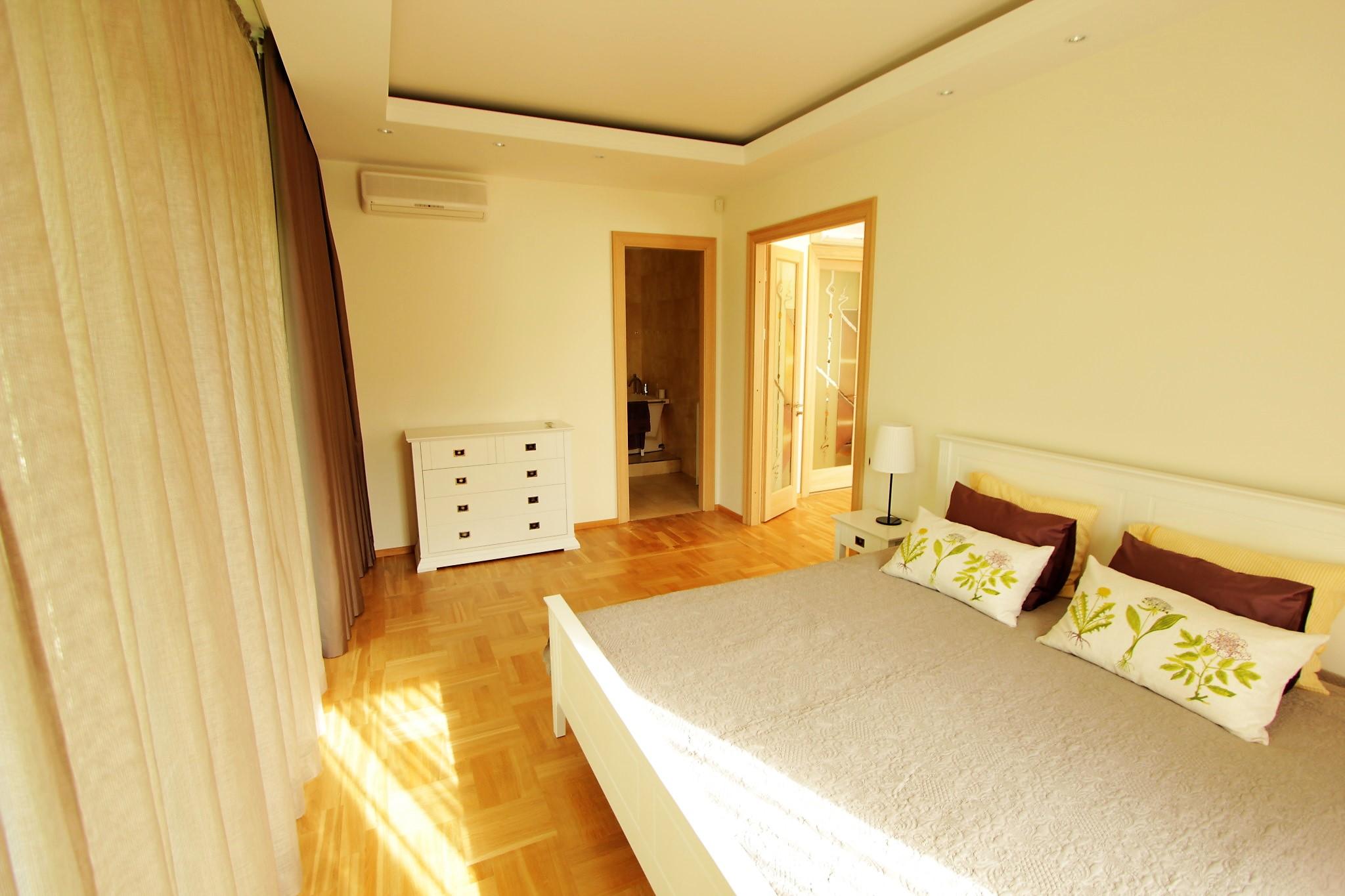 Guļamistabas mēbeļu komplektēšana