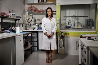 She May Solve One of the Oldest Problems in Surgery #SuperGlue