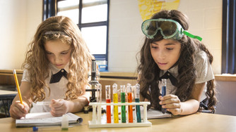 7 Ways to Support a Generation of Scientific Young Women