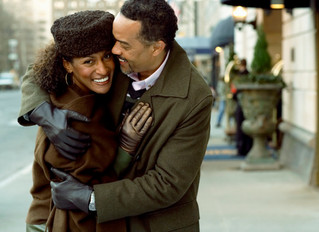 A New Way to Think About Holidating: 4 Tips to Help You Thrive During the Holidays