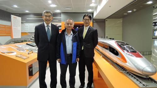 參觀學習世界最大地下火車站:香港西九龍站