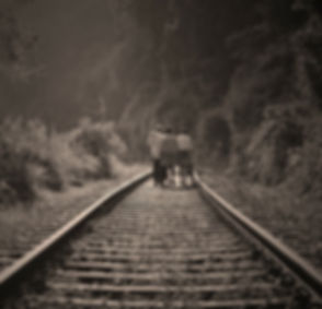 rail-road-191097_1920_edited.jpg