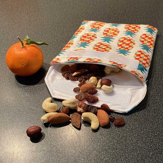 pochette à gouter avec poignée de fruits secs