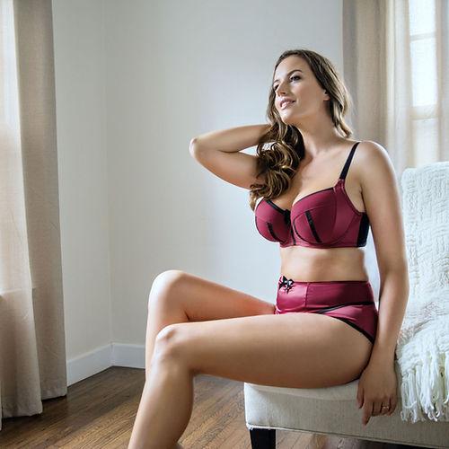 Women Bra Model