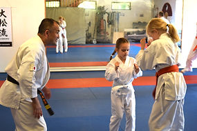 Karate für Kids: Disziplin, Spaß und Sport