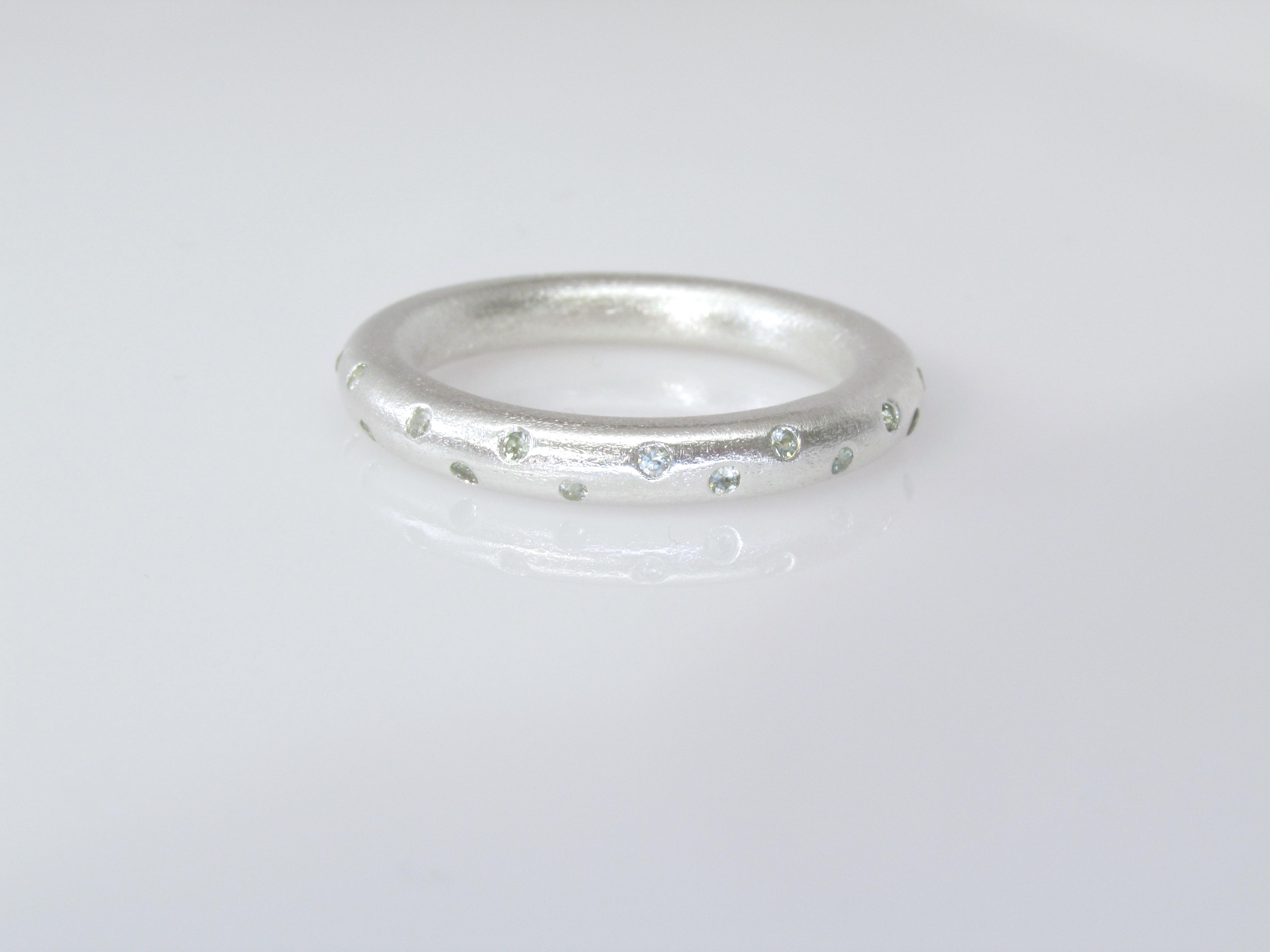 Grey Sapphire Spray Ring