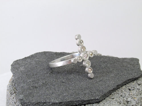 Four Point Star Ring With White Sapphires