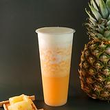 Pineapple jasmine green tea w/ cheese foam
