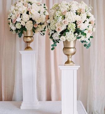 ceremony floral.jpg