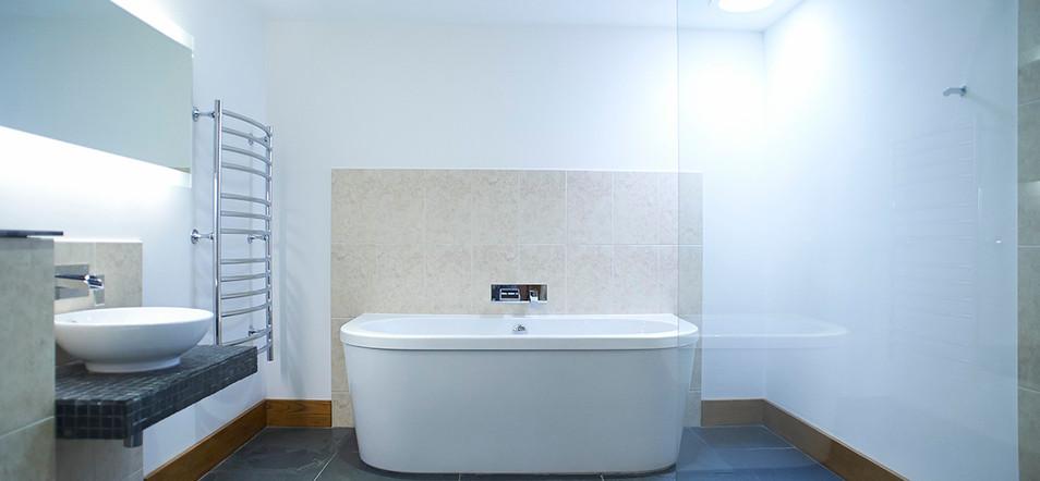 merlin_farm_bathroom.jpg