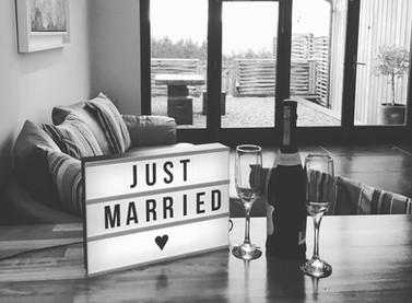 honeymoon_edited.jpg