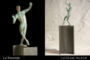Traversee-bronze-sculpture-homme-equilib